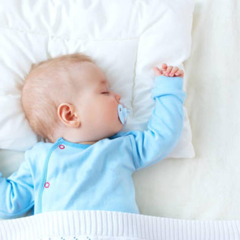 15f6433da5dc2 医師取材 赤ちゃんの室温の目安は? 季節別の温度調整ガイド