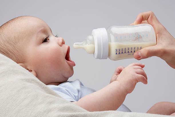 量 トータル ミルク 3 生後 ヶ月