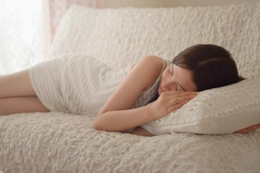 生理 前 息苦しい PMSの症状【吐き気・微熱・息苦しい・不眠・うつ】と原因や緩和法