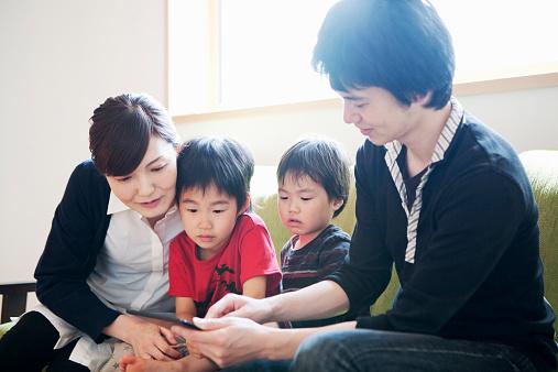 医師監修】子どもがなりやすいトゥレット障害とは? 症状・原因・治療 ...