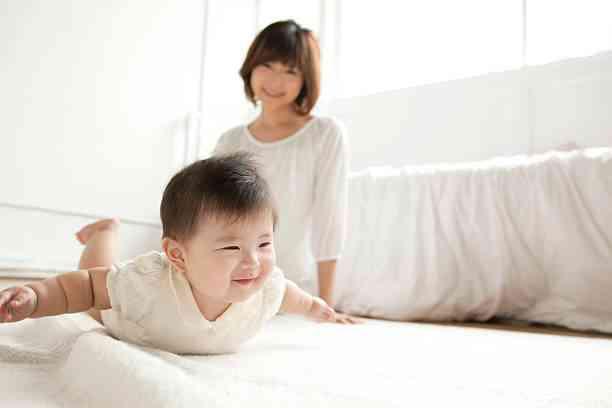 赤ちゃん うつ伏せ 練習
