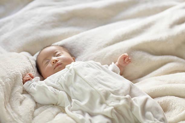 ヶ月 睡眠 2 赤ちゃん