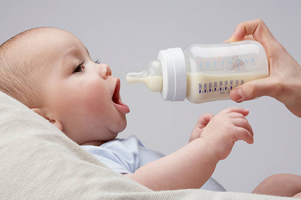 生後 1 ヶ月 ミルク の 量