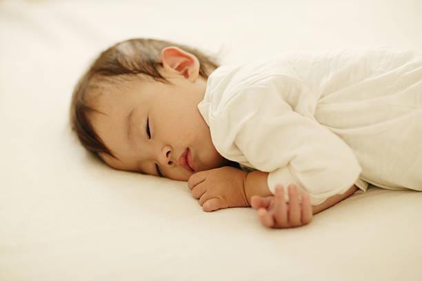 新生児 寝る 時間