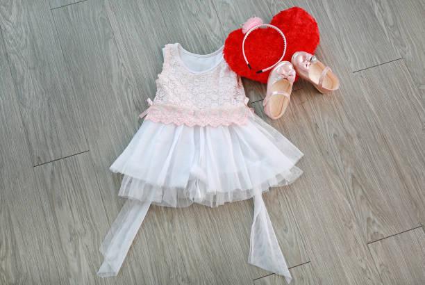 daeb27b3f9923 かわいいロンパースはどこで買えるの?といったママの悩みにお答えすべく、ここではおすすめのベビー服ブランドをご紹介します。自分好みのブランドで、赤ちゃんに  ...