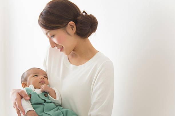ろくでなし子「子供は母親が見るべき」という、いまだ日本に根付く呪い ...