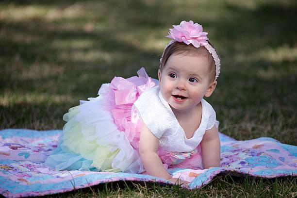 24c93132ba35a 女の子ならではのスタイルがカバーオール+ブルマです。海外の赤ちゃんモデルのようなコーデに仕上がります。フリルたっぷりのもこもこブルマがおすすめです。